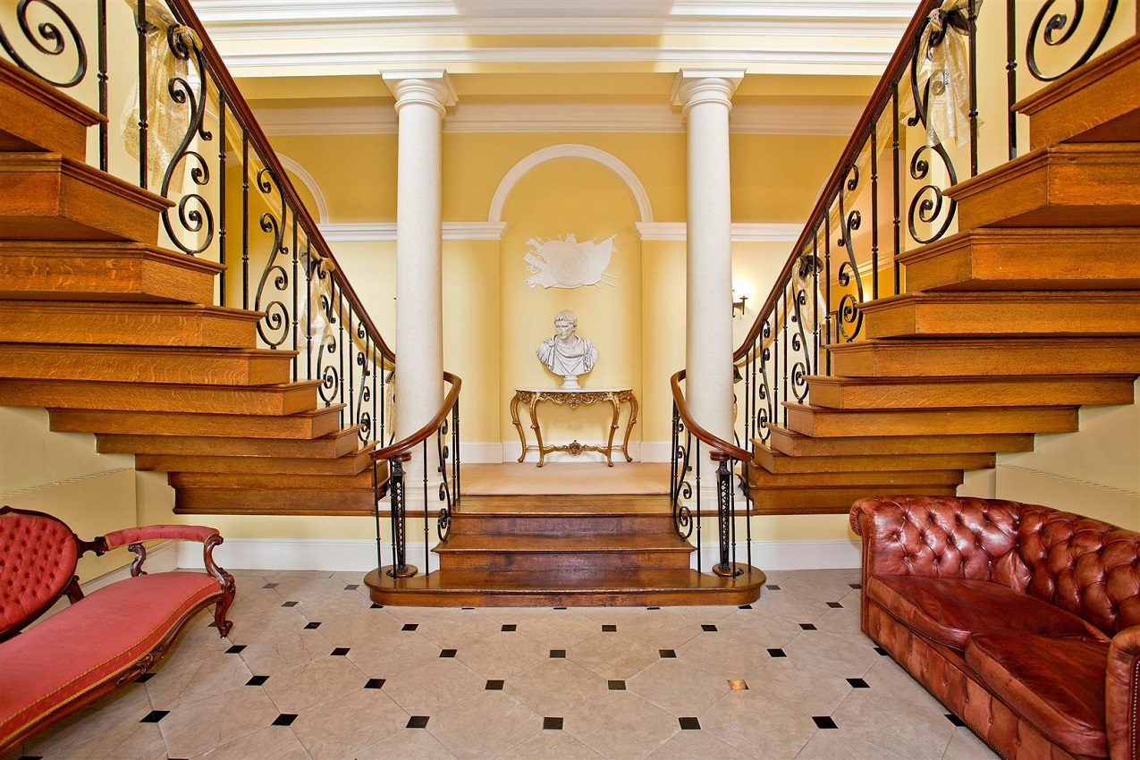 What Is A Balustrade? Background History